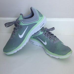 Nike FS Lite Run 4 Prem Running Shoe(Women's)